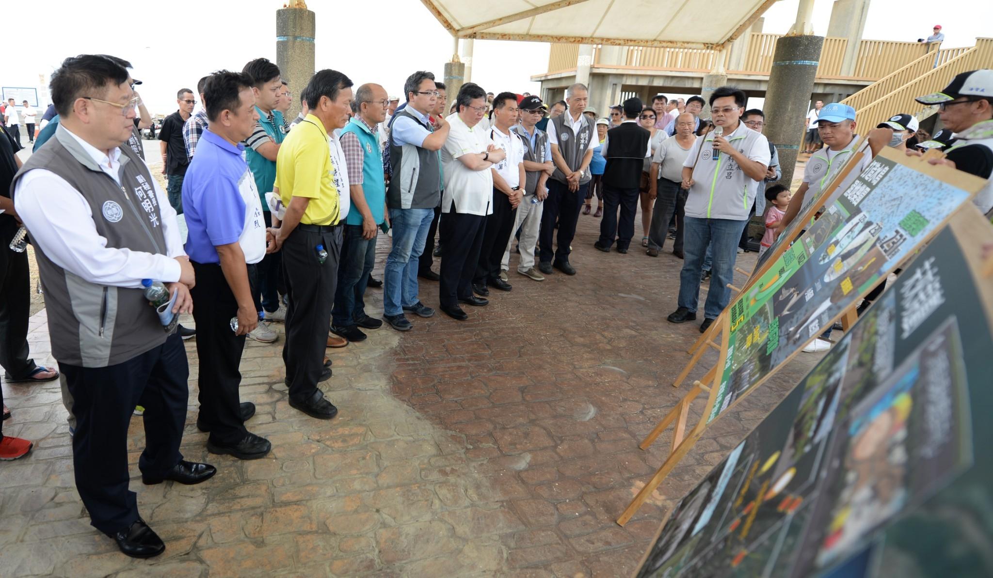 布建水鳥濕地樂園鄭市長走訪許厝港生態復育工程